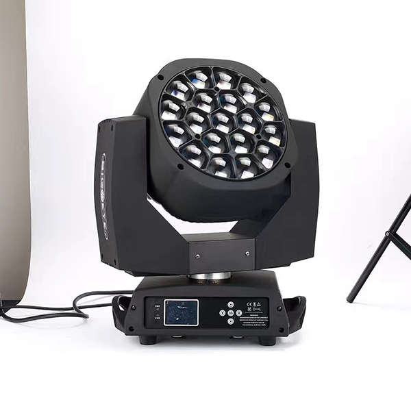 Martin MAC Aura 19x15w RGBW 4in1 Zoom Beam Wash LED Moving Head